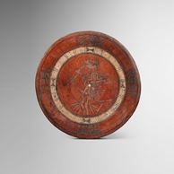 Sculpture LARGE PLATE DECORATED WITH A SCENE OF THE MAIZE GOD de la Galerie Mermoz